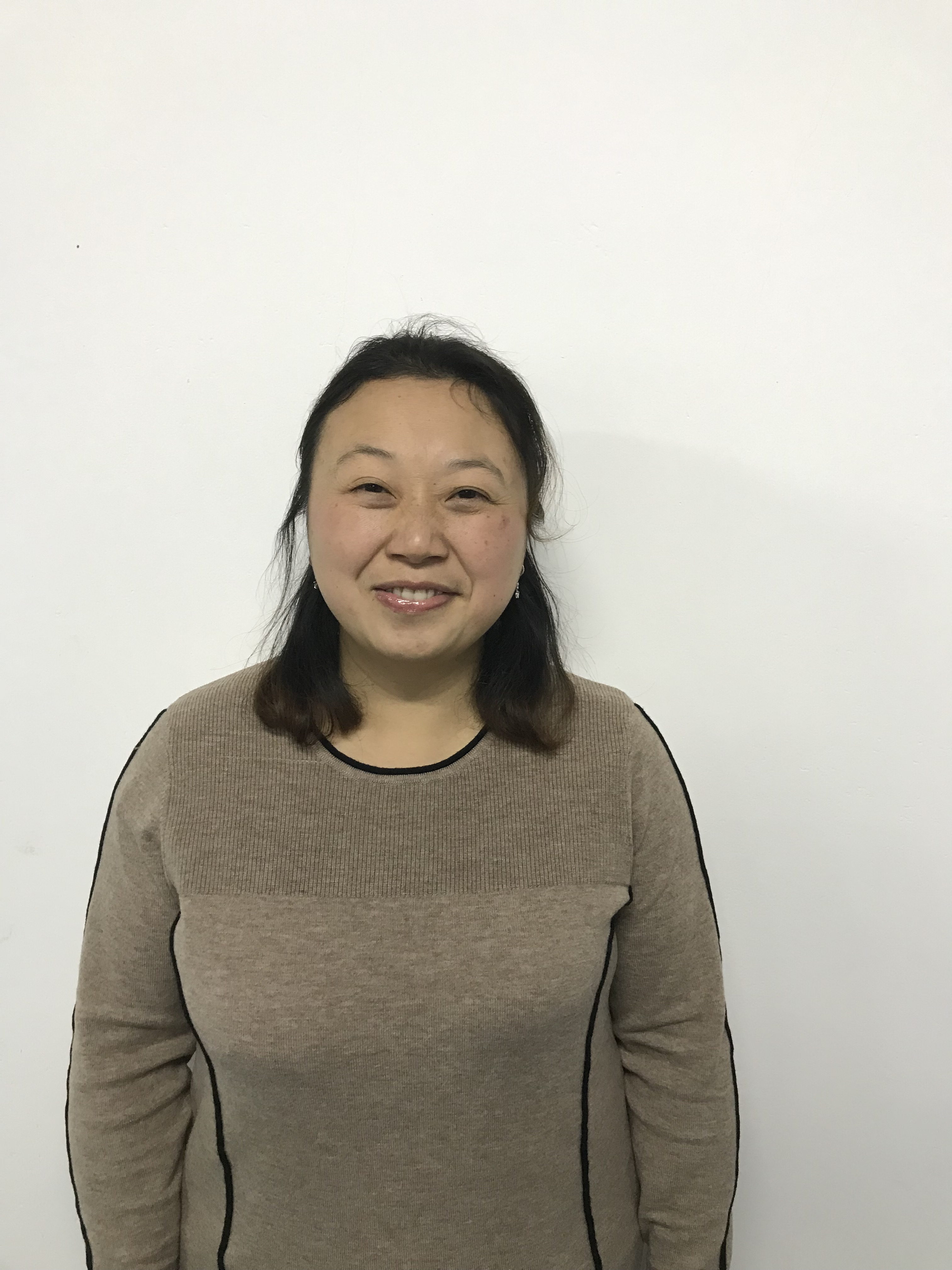 Gao Xiu Qing : Accountant Manager